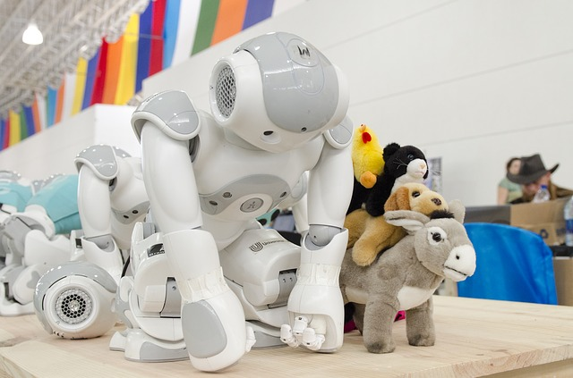 roboti mezi hračkami